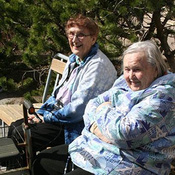 Särkisalokotiyhdistys perustettiin kehittämään särkisalolaisten vanhusten asuinpalveluita sekä tukemaan vanhusten virkistystoimintaa